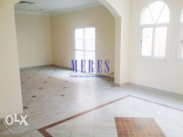 4 Bedroom Villa in a Compound in Abu Hamour