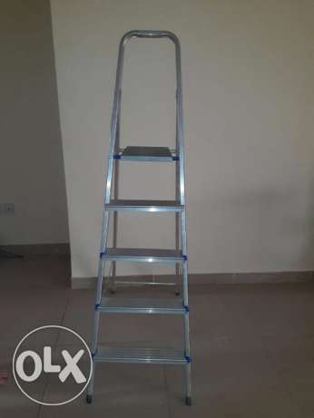 metal ladder 4 steps with top shelf