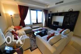 An elegant 2 bedroom apartment in the Pearl with full marina view