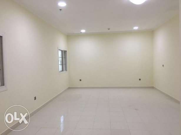 New Apartment 2 Bedroom Unfurnished in Bn Mahmoud Area فريج بن محمود -  4
