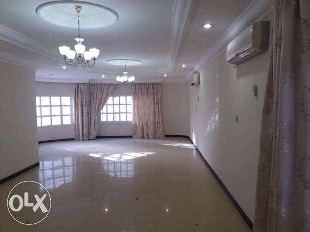 4 Bedroom Big villa for rent In Abu Hamour