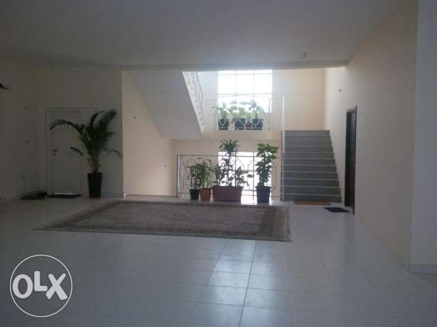 Spacious 1BD Apartment in Villa Near West Bay! (Not Partition)