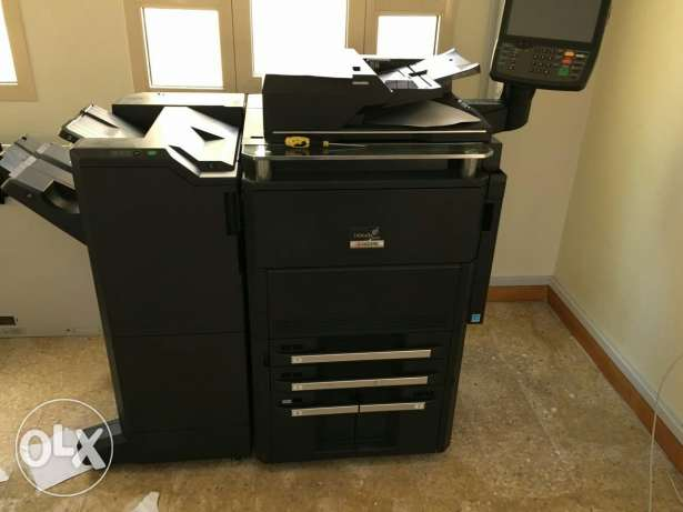 Heavy duty black and white photocopier
