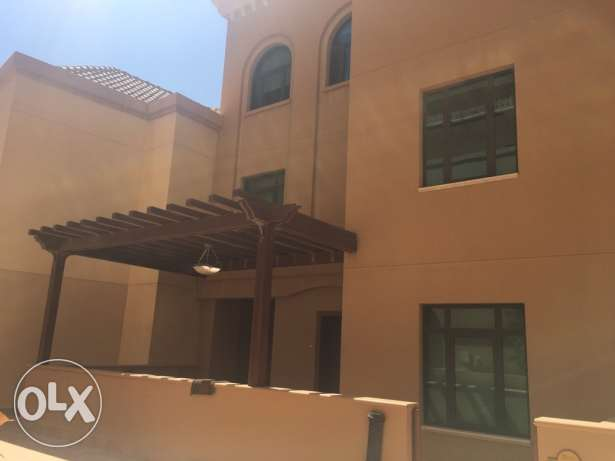 Fully furnished Townhouse 4+maid Porto Arabia,The Pearl