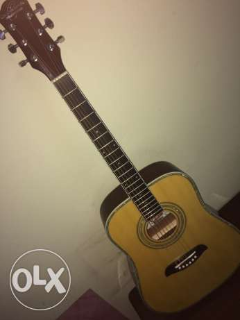 acoustic guitar for sale last price 600 to 700