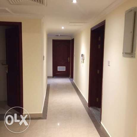 Unfurnished 3-Bedrooms Apartment in Fereej Bin Mahmoud فريج بن محمود -  2
