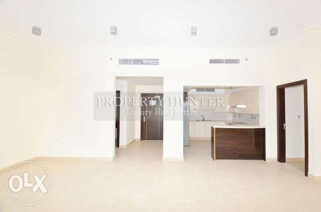 3 bedrooms apartment with canal views الؤلؤة -قطر -  2