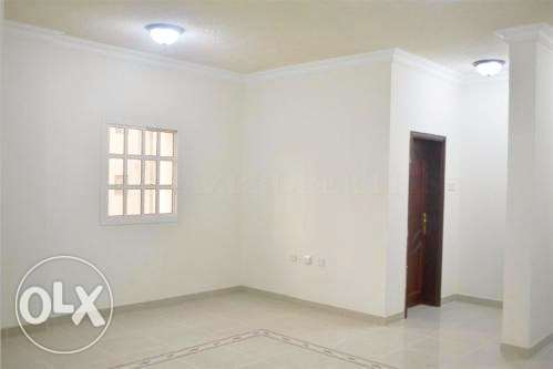 ZZ//2BR Unfurnished Apartment-Family
