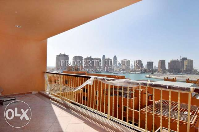 Two Bed Convenient apartment with marina views