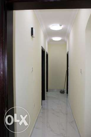 Executive Bachelor's 3 Bedrooms Flat Available in Umm Ghuwalina Area ام غويلينه -  6