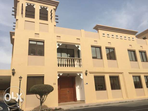 6 bedrooms villa Fully furnished. Al wabb