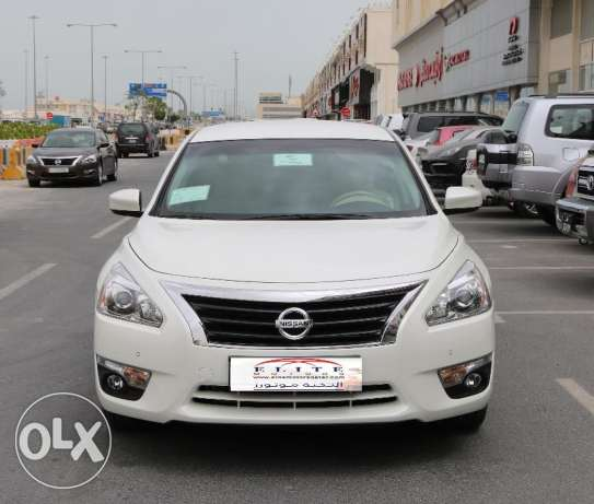 NISSAN Altima 2016 only 2000