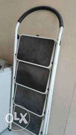4 steps ladder for sale