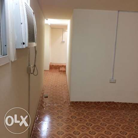 2 bhk unfurnished villa in old airport for family المطار القديم -  5