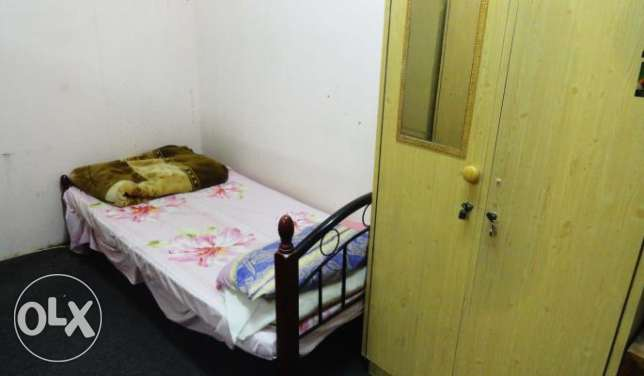 Neat Bed space available in Old Al Ghanim