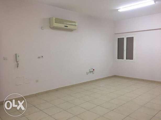 ABDULAZIZ-AFC180C1- S/F 3 Bedroom Apartment w/ Gym Near Homecentre