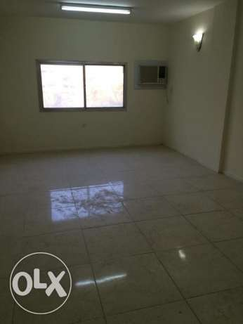 UN-FURNISHED,3-bhk flat at binmahmoud VERY BIG ONE with 2 balckony