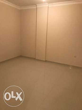 Ex: Bachelor room available in Modina khalifa south near Al Meera
