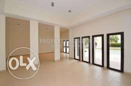 Spacious with courtyard view 3 Bedroom Apartment in The Pearl