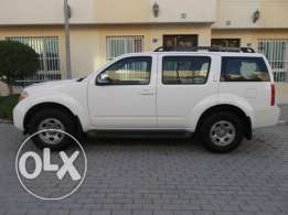 Amazing Pathfider 4x4. 7 seaters.Accident free.Lady Use