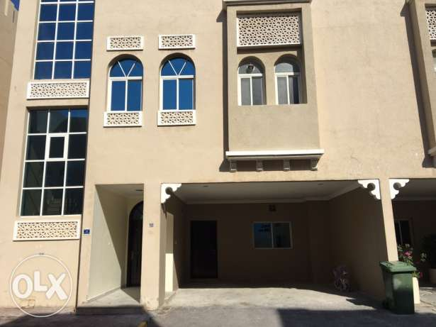 compound family villa abuamoor أبو هامور -  3
