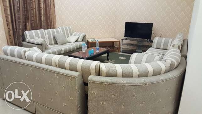X'lent 2 BHK (family/ 2 Bachelor share) Fully Furnished 100 mtr Road