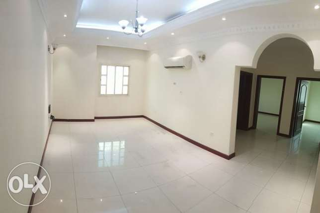Un-Furnished 2 bedroom apartment in Mansoura -5500