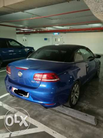 Like new VW EOS convertible