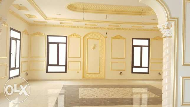 Luxurious 6 bedroom brand new Villa for sale عين خالد -  2