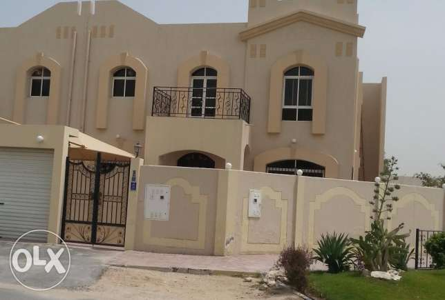 Beautiful 5 B/R Single Villa near Khalifa Stadium/Villaggio