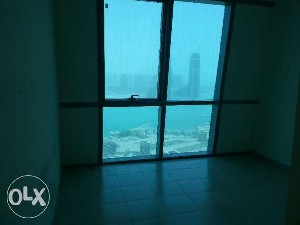 Luxury unfurnished 3 bed room apartment at zigzag tower الخليج الغربي -  5