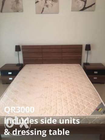 bed & 2 side tables reduced for quick pick up