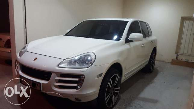 Porshe Cayenne-S 2008 sell / swap with new toyota land cruser