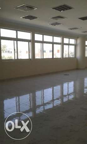 Spacious and well maintained 3bhk is for rent at muntzah