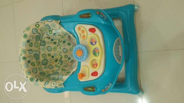 Baby Walker For Sale أم صلال -  2