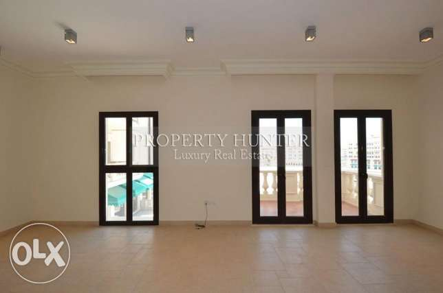 3 Bedrooms apartment with both sea & canal views الؤلؤة -قطر -  2