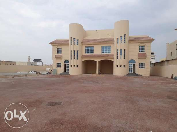 6 Semi commercial Villas at Duhail.