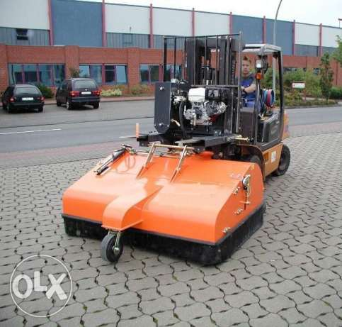 Sweeping /cleaning machine to fix on forklift and shovel for sale