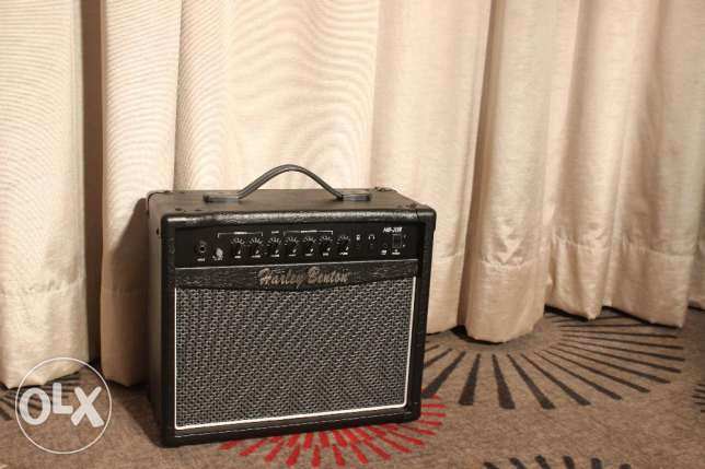 Guitar Amplifier 20 watts. Brand new! Nice sound! On the Box!