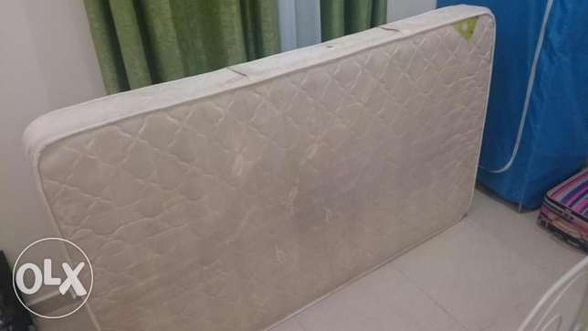 A good condition Bed and mattress on sale الغرافة -  4
