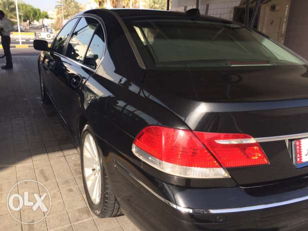 BMW very good car for sale المطار القديم -  1