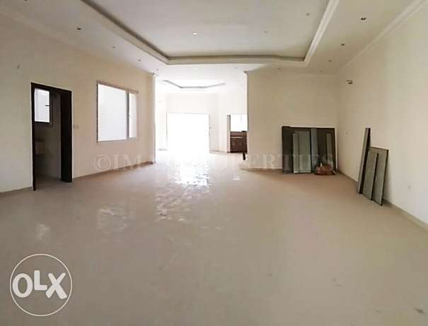 Unfurnished Villa with Private Pool for Rent الثمامة -  1