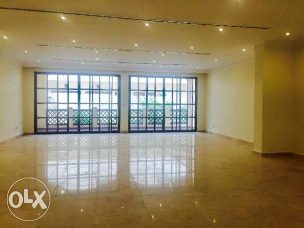 DUJC - Semi Furnished 4 plus Maid's Room Villa near West Bay