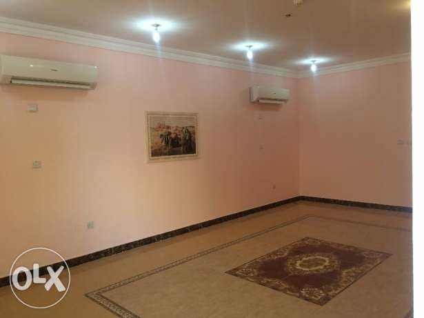 Villa for rent in Aziguy 5bedrooms with A/C asbilt Inside compound