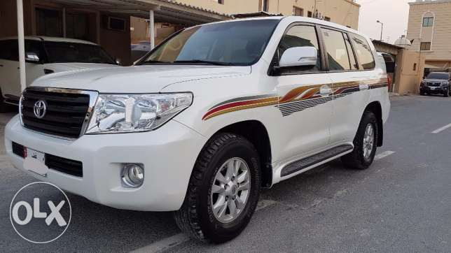 Toyota land cruiser 2013 full option v6 with gps. Camera. Dvd.
