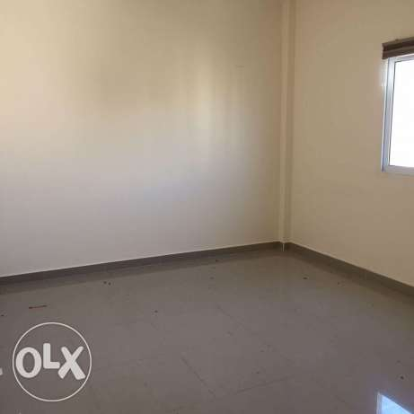 BRAND NEW Semi Furnished 2-Bedrooms Flat in Bin Mahmoud فريج بن محمود -  2