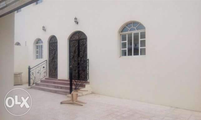 very nice 8bed villa with outhouse for executive bachelors at wakrah