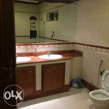 Spacious 2bhk unfurnished villa in Hilal for family الهلال -  6