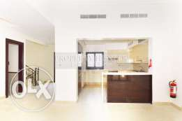 3 bedrooms unostentatious townhouse direct canal views