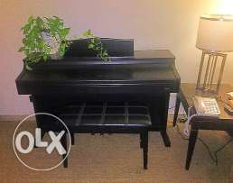 Luxurious piano upright Keybord